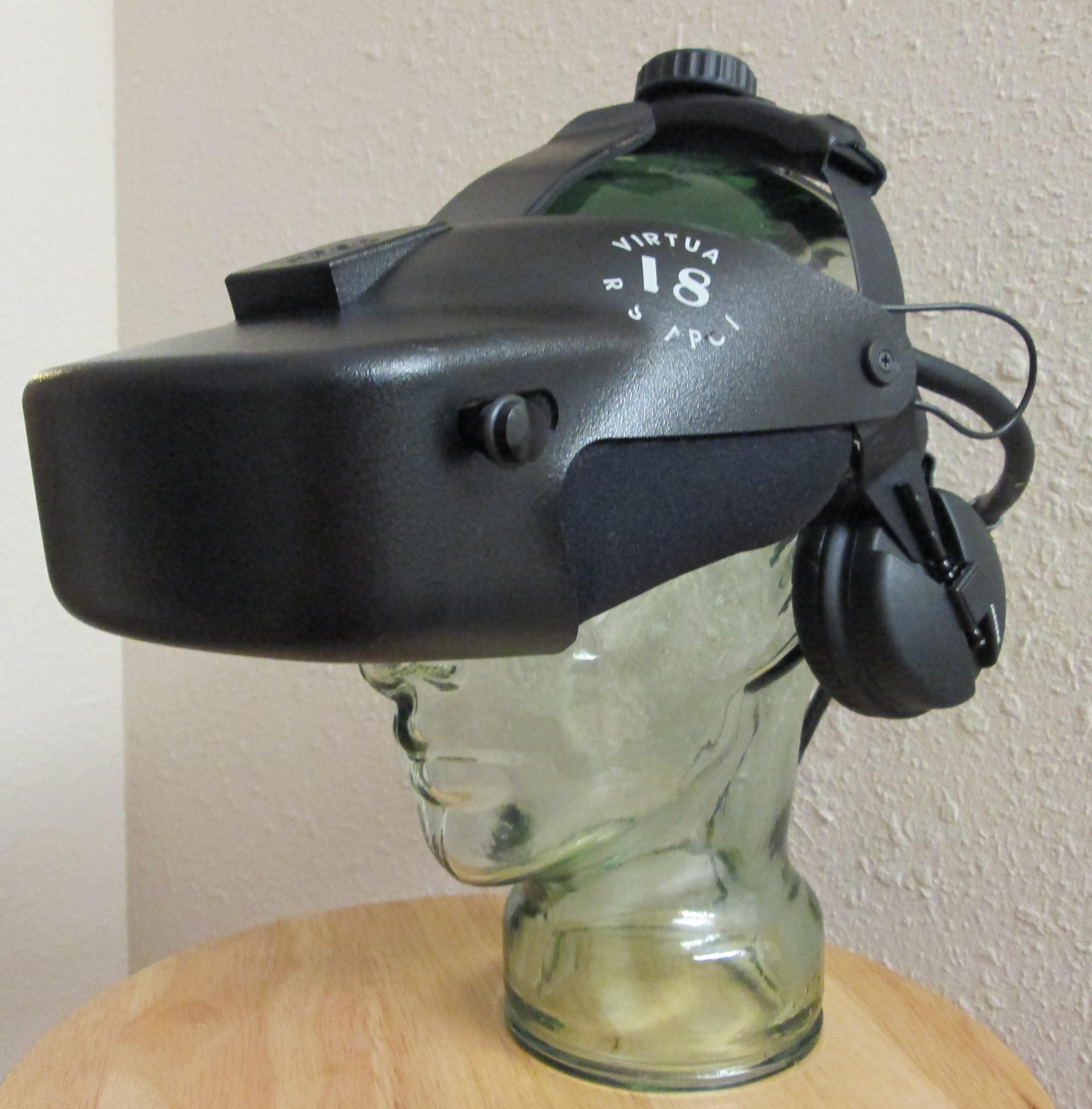VR V8