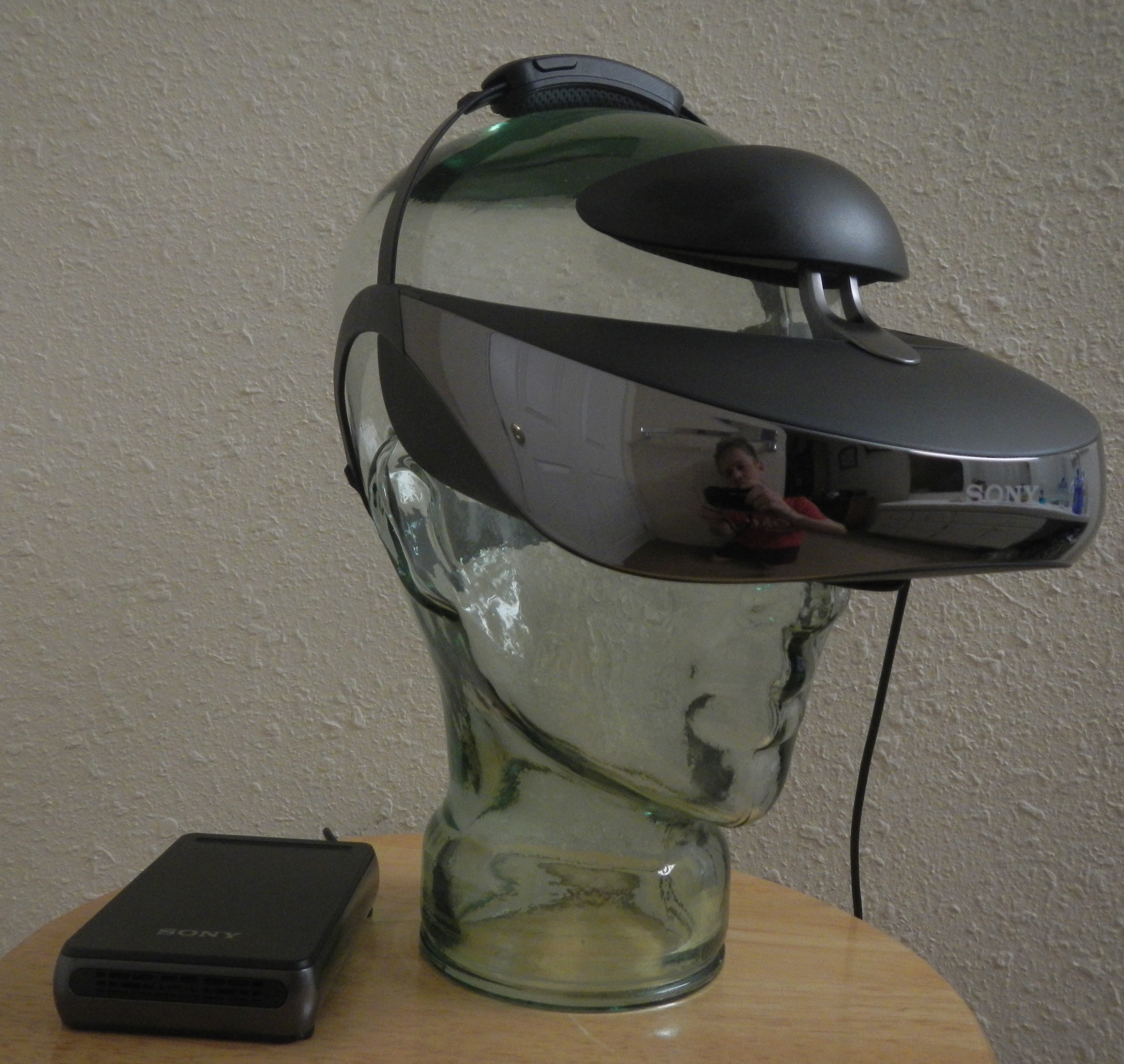 Sony HMZ-T3W slight right